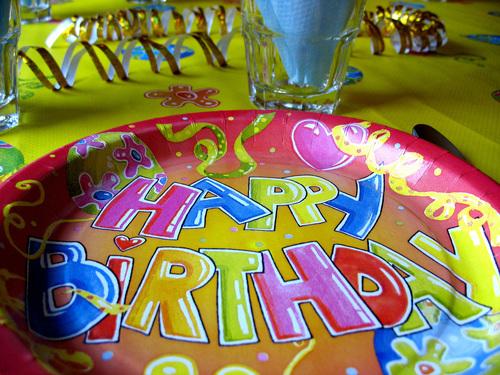Barnkläder för födelsedagar och kalas